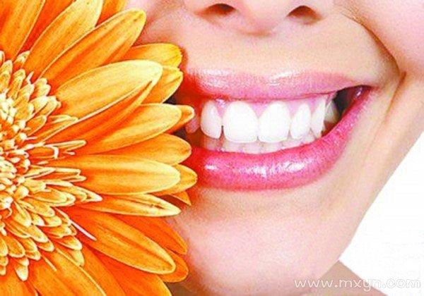 做梦掉牙齿是什么意思