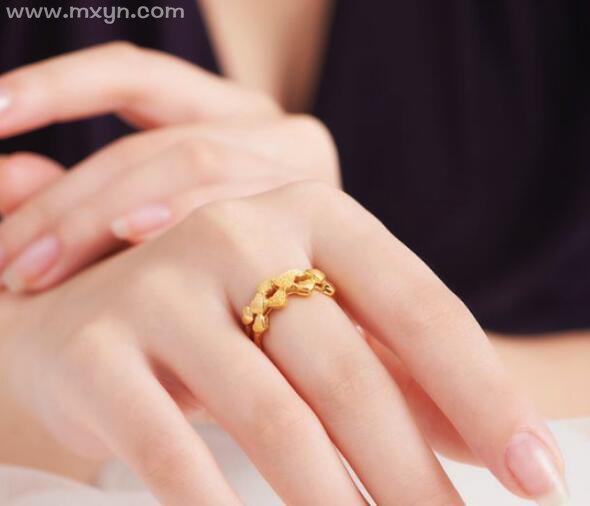 梦见金戒指