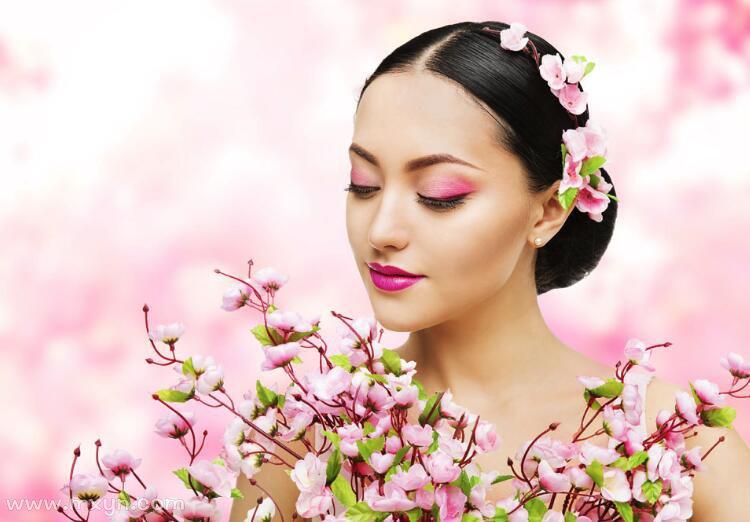 已婚女人梦见鲜花