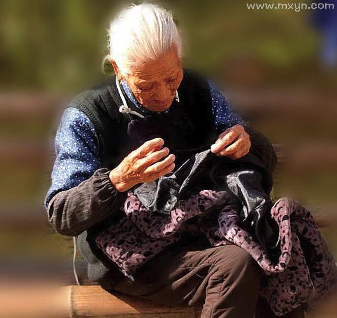 梦见缝衣服