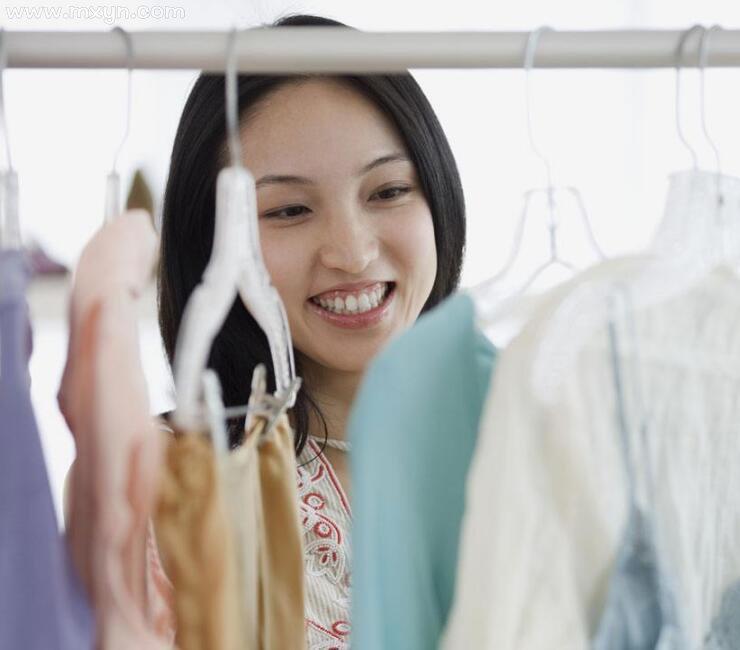 女人梦见自己穿新衣服