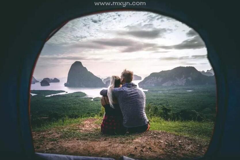梦见和喜欢的人很亲密