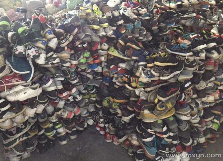 女人梦见好多旧鞋子