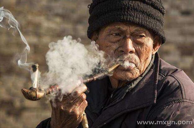 梦见死去的老人还活着